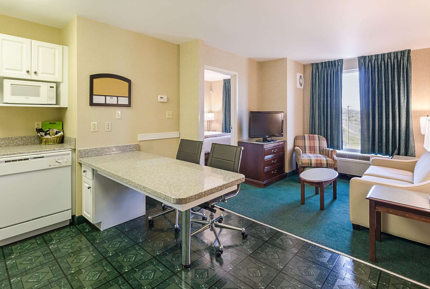 Room - MainStay Suites Airport Roanoke