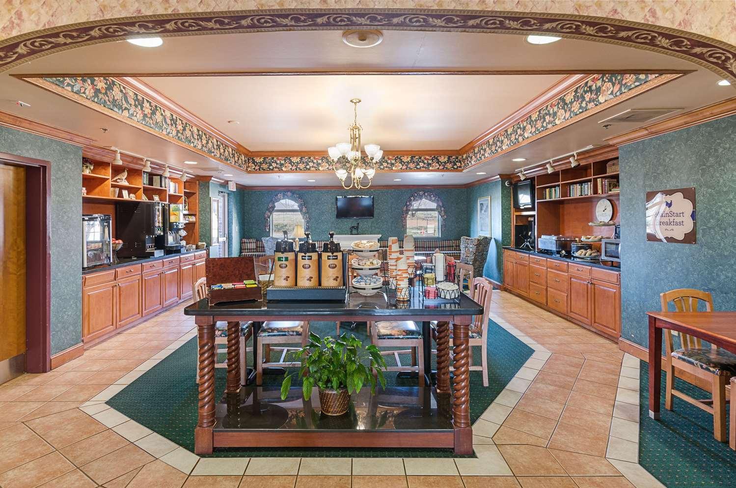 Restaurant - MainStay Suites Airport Roanoke