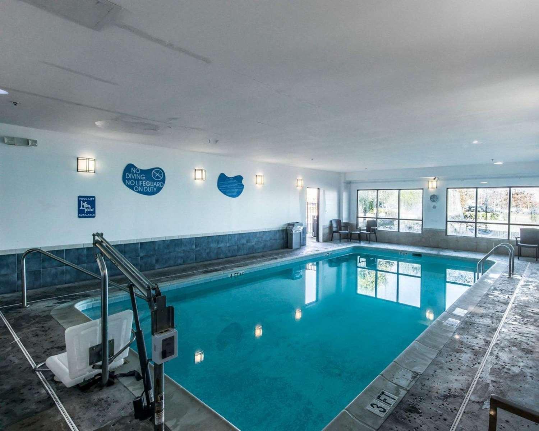 Pool - Sleep Inn & Suites Winchester