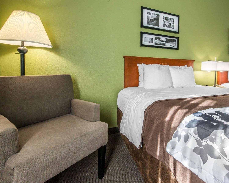 Room - Sleep Inn & Suites Winchester