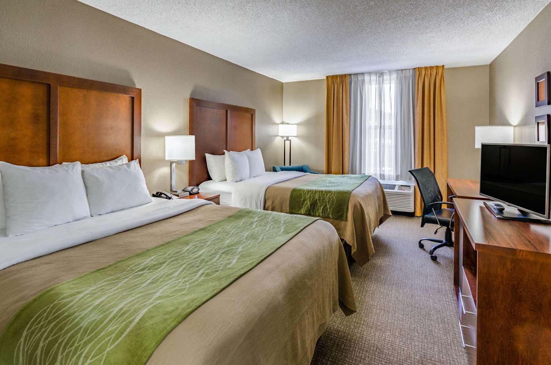 Room - Comfort Inn Staunton