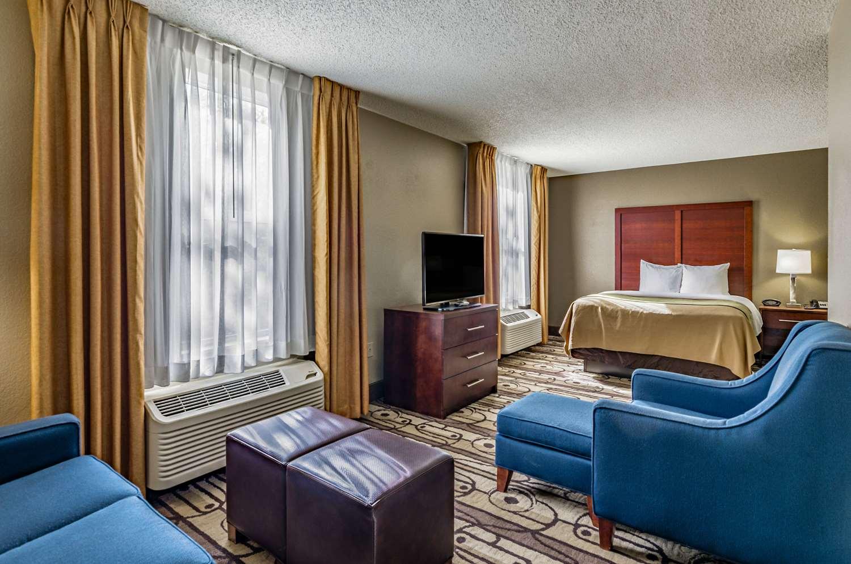 Suite - Comfort Inn Staunton