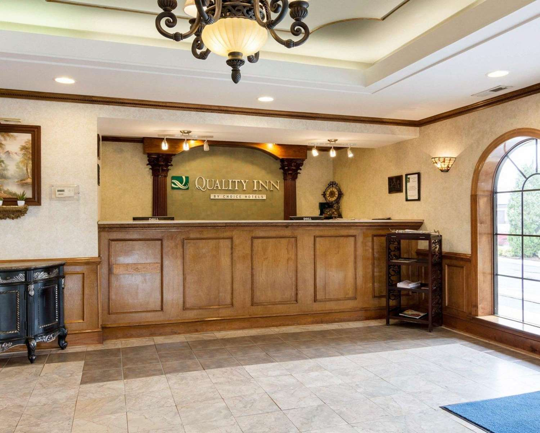 Lobby - Quality Inn South Hill