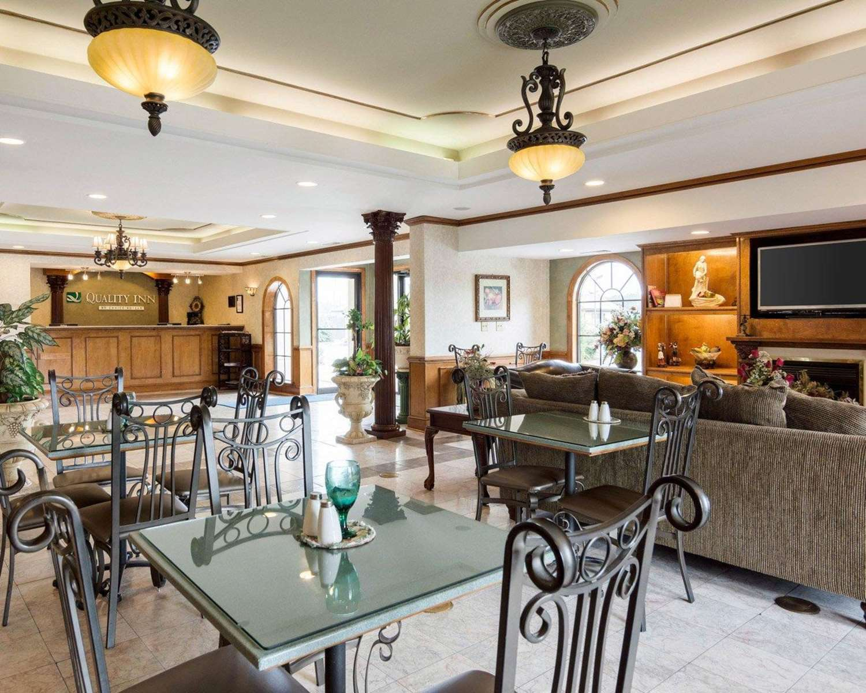 Restaurant - Quality Inn South Hill