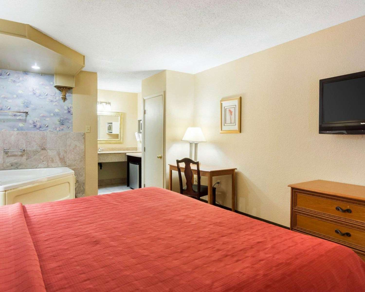 Suite - Quality Inn South Hill