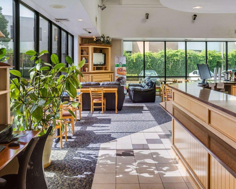 Lobby - Quality Inn Naval Base Norfolk