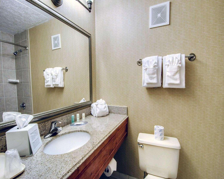 Room - Comfort Inn Martinsville