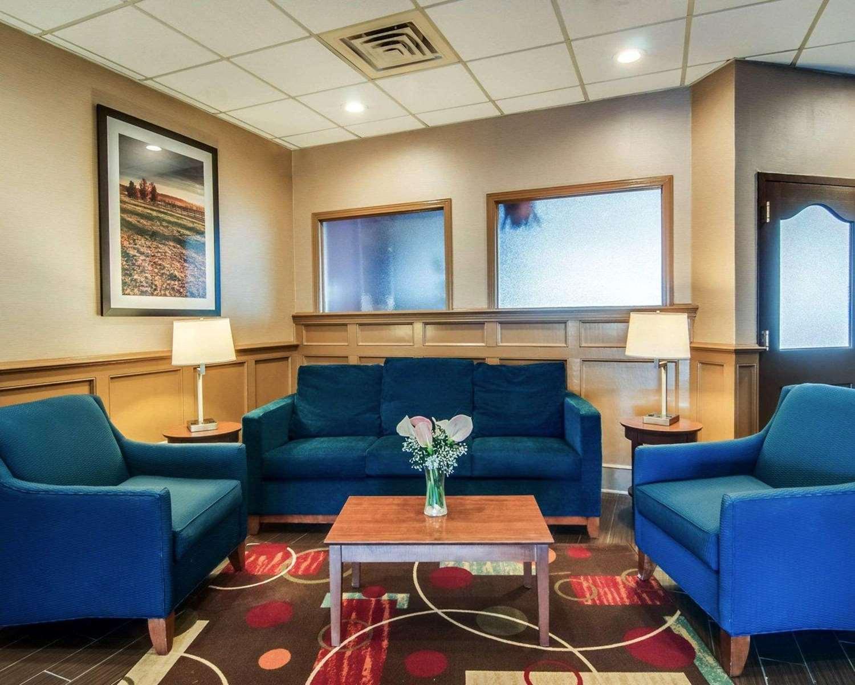 Lobby - Comfort Inn & Suites Raphine
