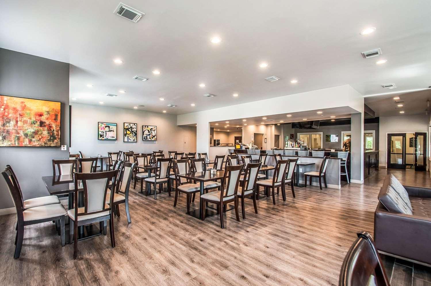 Restaurant - Clarion Inn Leesburg