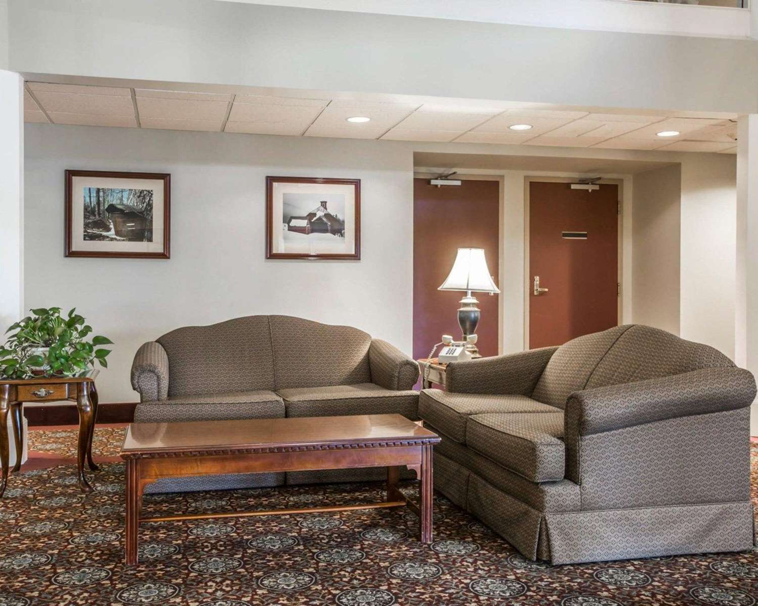 Lobby - Comfort Inn & Suites at Maplewood Montpelier