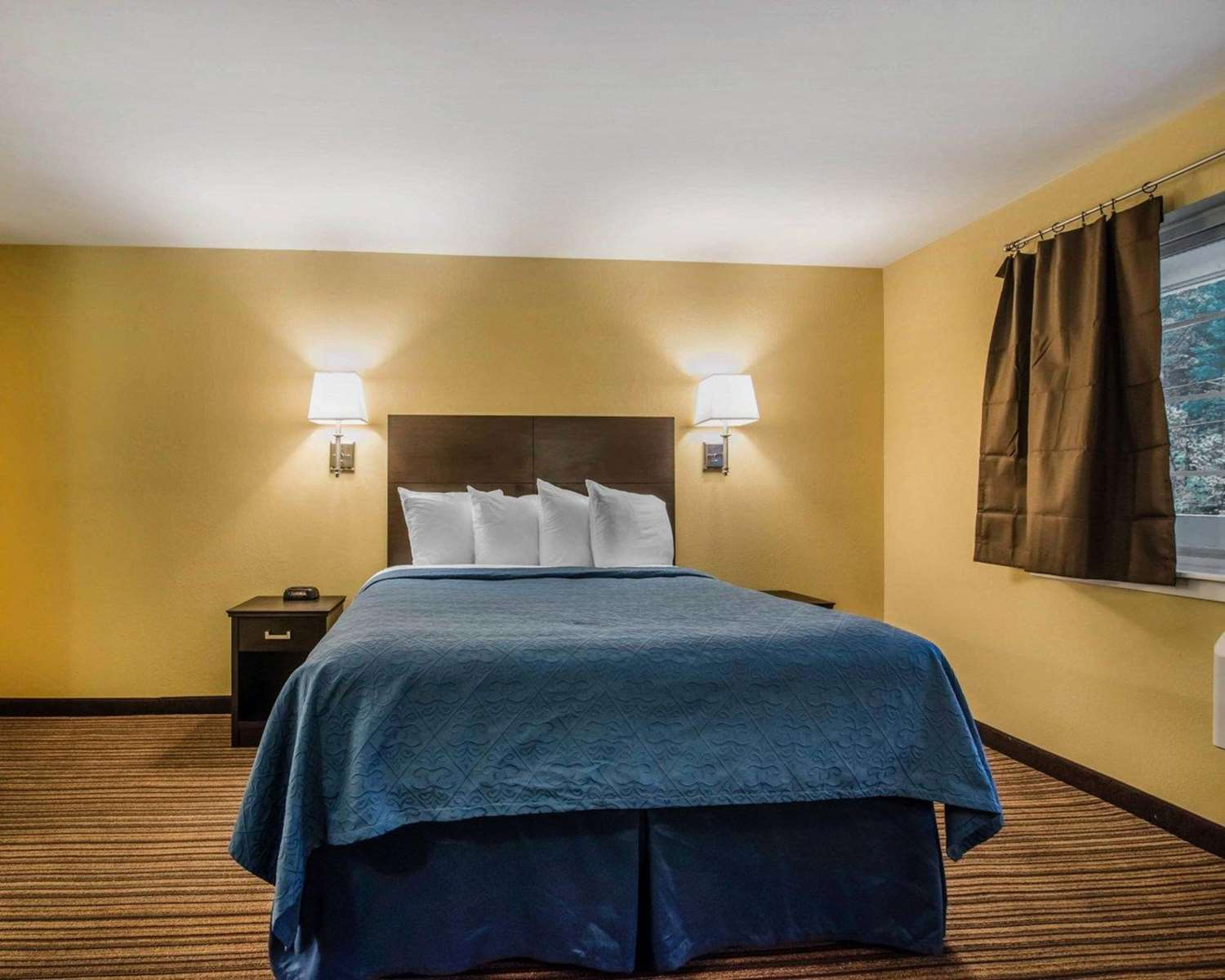 Room - Quality Inn at Quechee Gorge