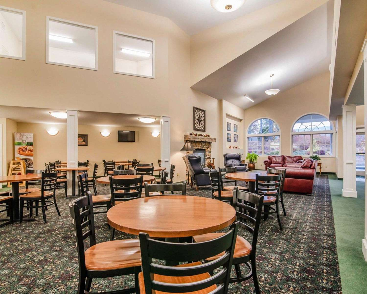 Restaurant - Quality Inn at Quechee Gorge