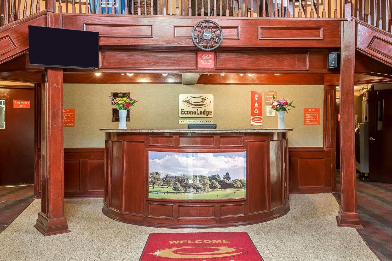 Lobby - Econo Lodge Montpelier