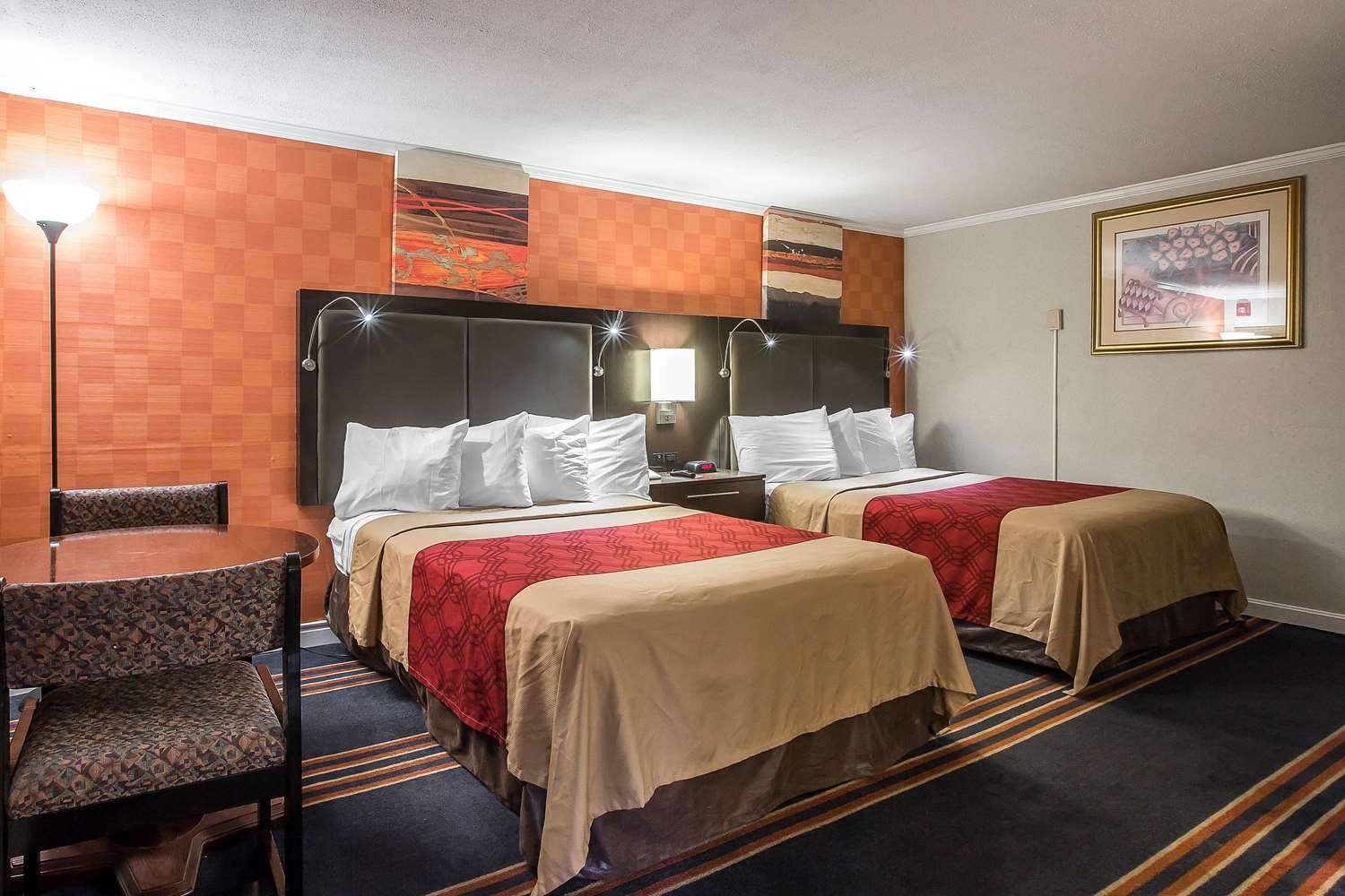 Room - Econo Lodge Montpelier
