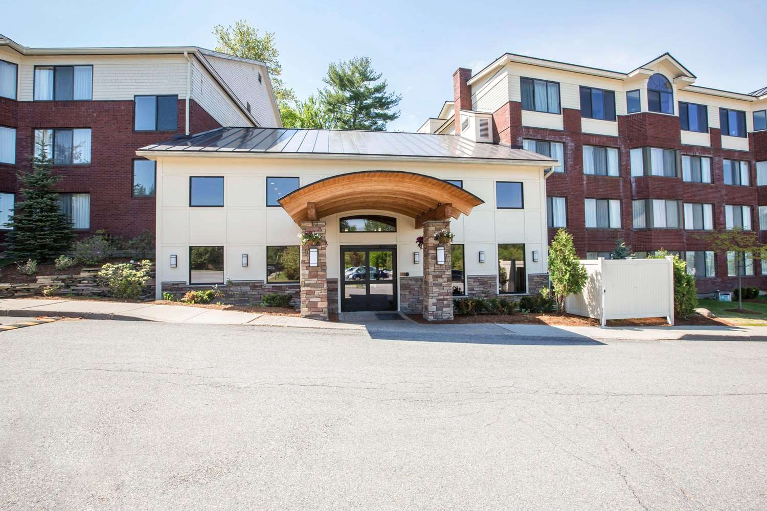 Exterior view - Comfort Suites South Burlington
