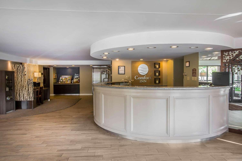 Lobby - Comfort Inn White River Junction