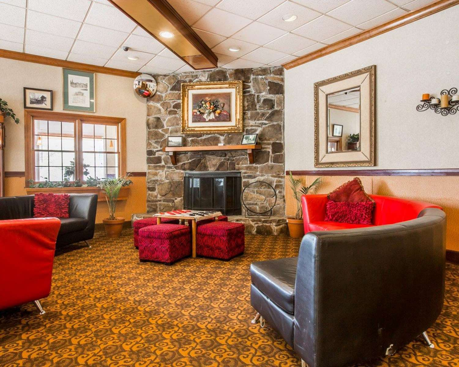 Lobby - Quality Inn & Conference Center Brattleboro