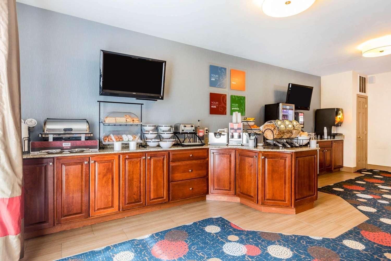 Restaurant - Comfort Inn & Suites South Burlington