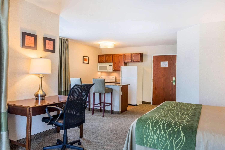Suite - Comfort Inn & Suites South Burlington