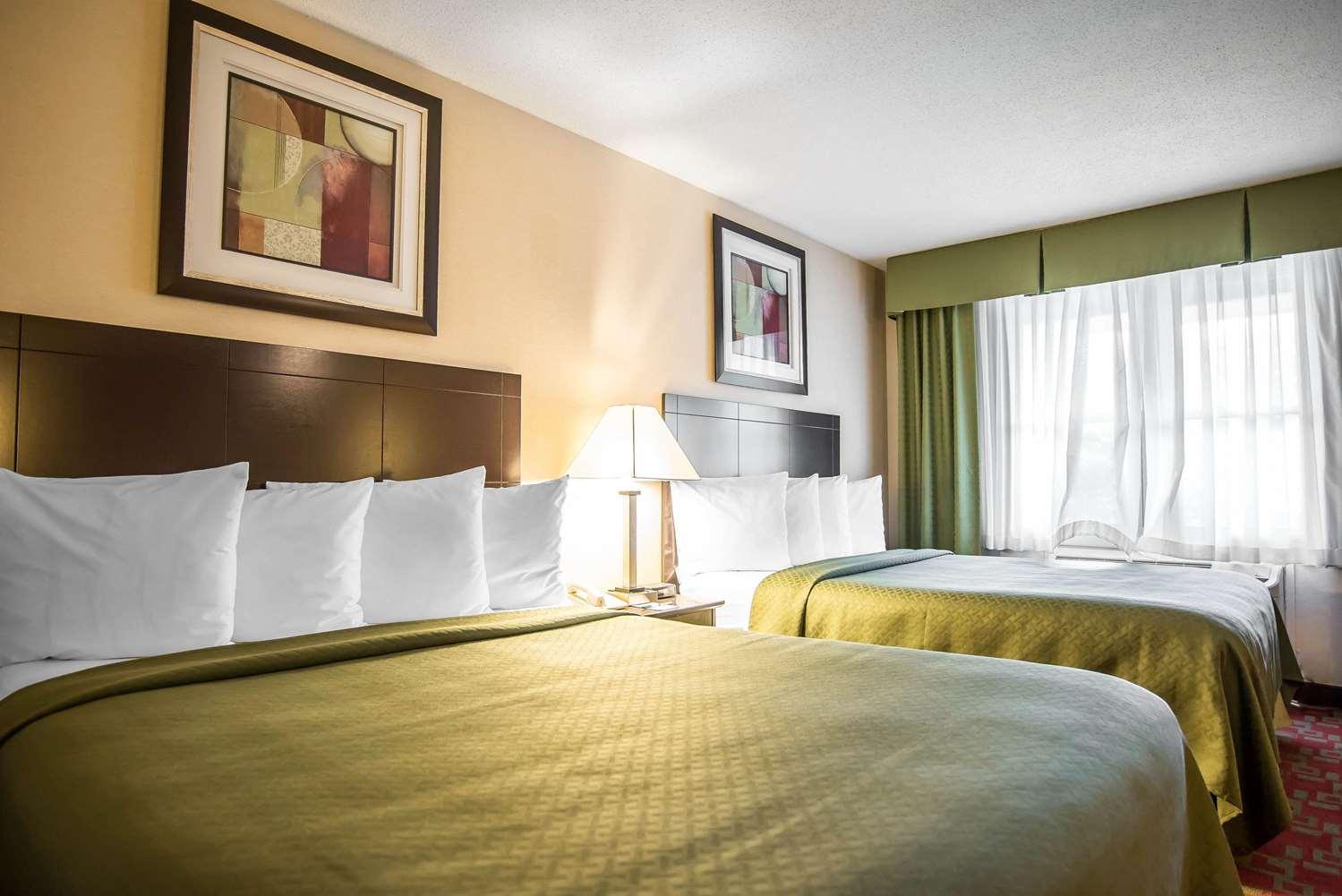 Room - Quality Inn Shelburne