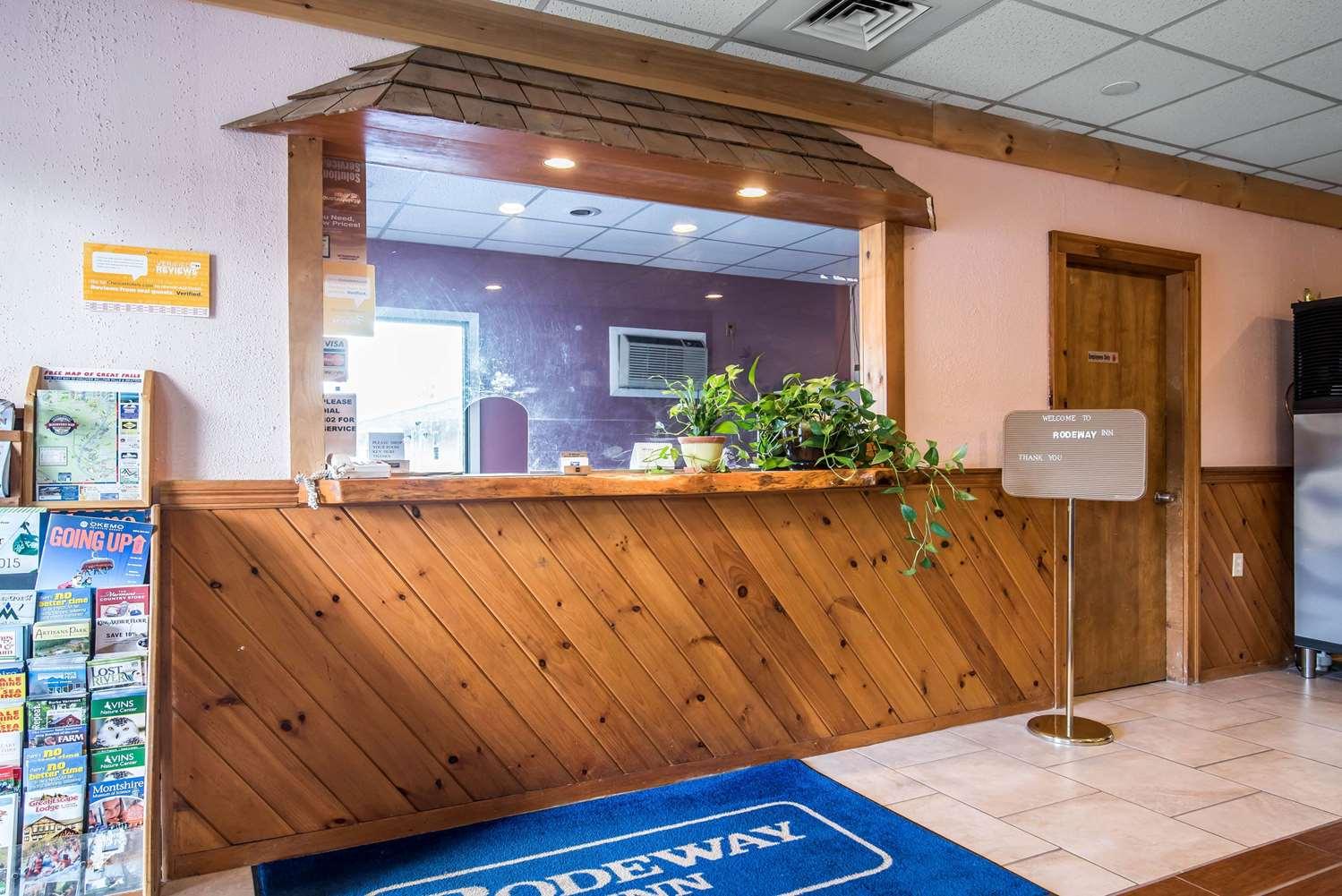 Lobby - Rodeway Inn Bellows Falls