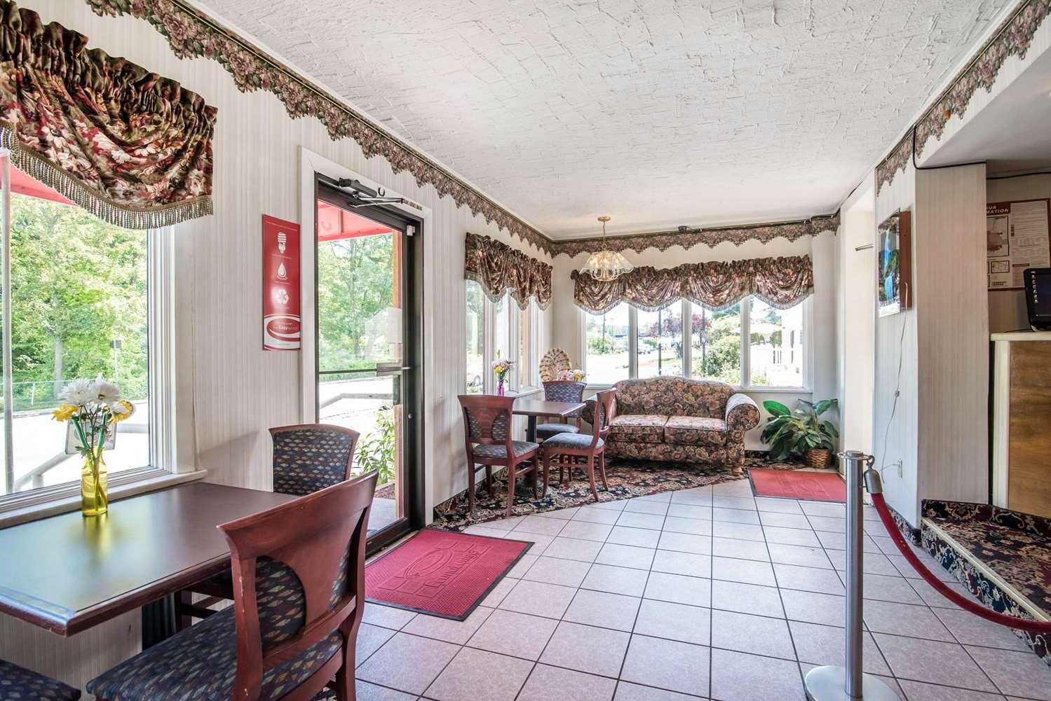 Lobby - Econo Lodge Brattleboro
