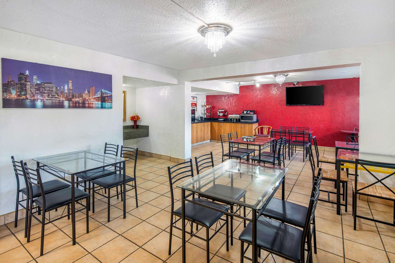 Restaurant - Econo Lodge & Suites Spokane
