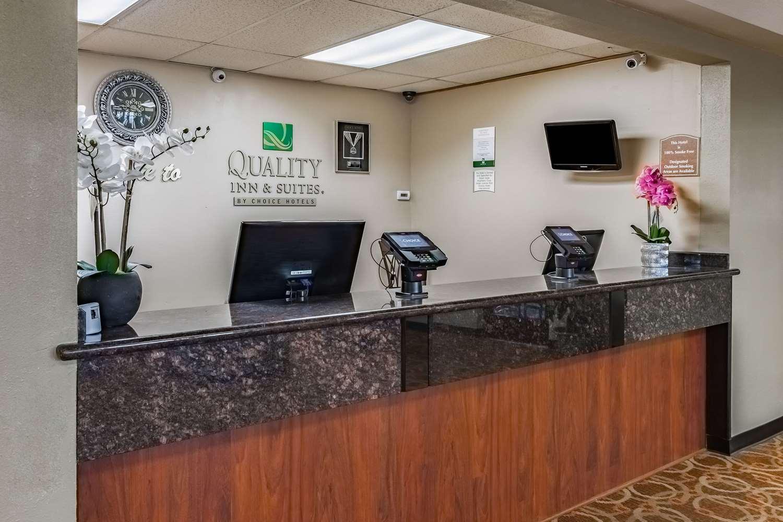 Lobby - Quality Inn Vancouver