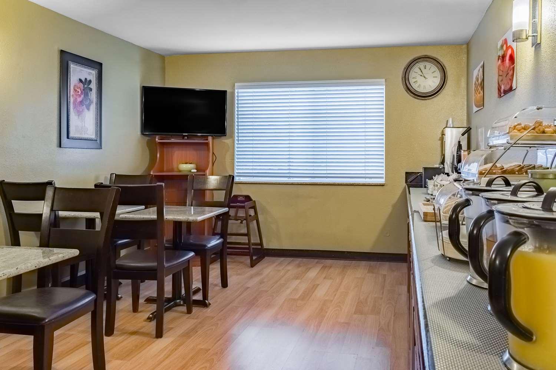 Restaurant - Quality Inn Vancouver