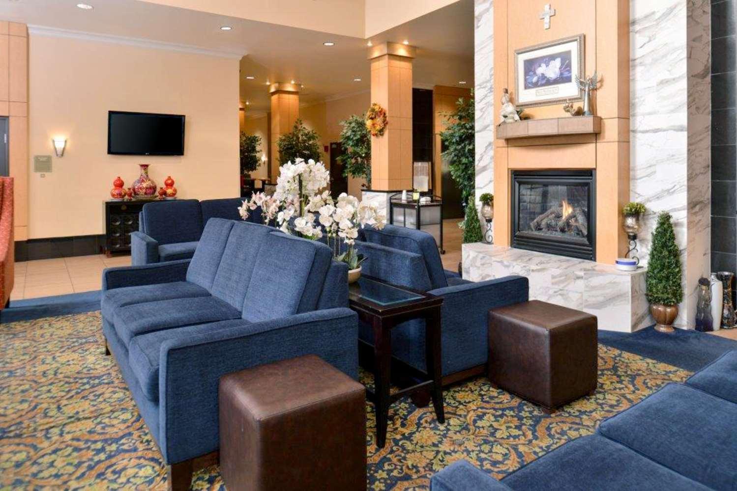 Lobby - Comfort Suites Tukwila