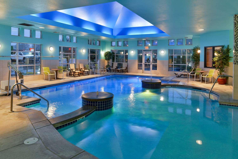 Pool - Comfort Suites Tukwila