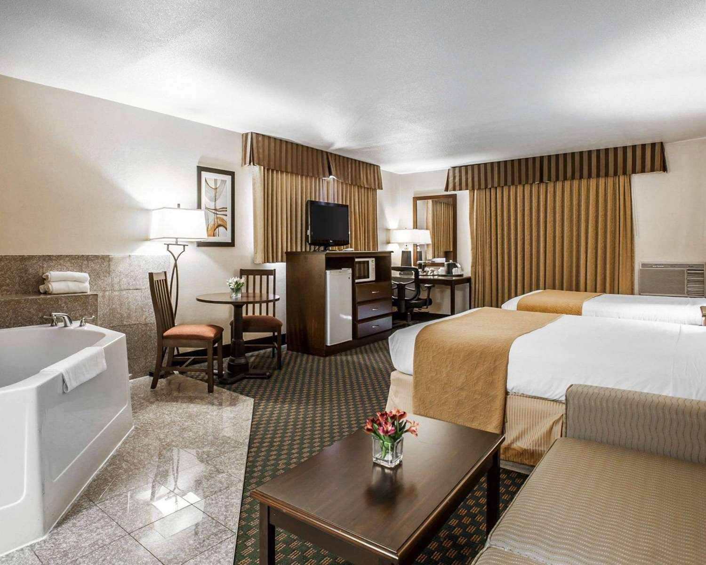 Room - Quality Inn & Suites Seattle