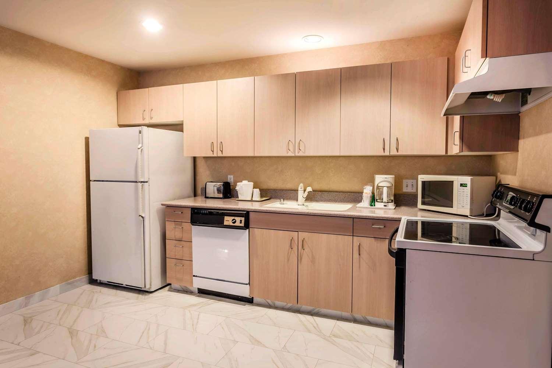 Suite - Quality Inn Arlington