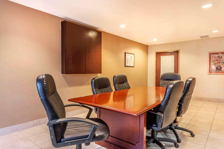 Meeting Facilities - Quality Inn Arlington