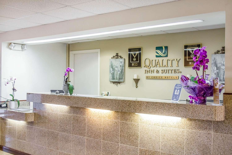 Lobby - Quality Inn & Suites Longview