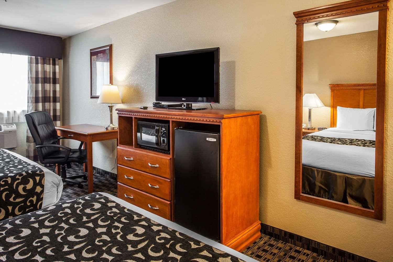 Room - Clarion Hotel Renton