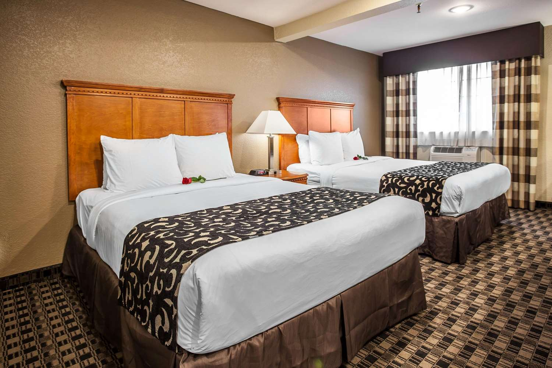 Suite - Clarion Hotel Renton