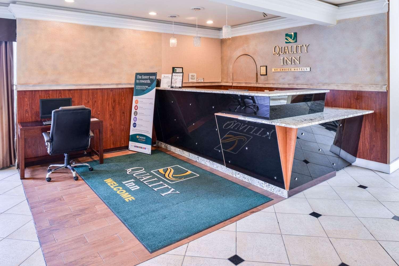 Lobby - Quality Inn Kent