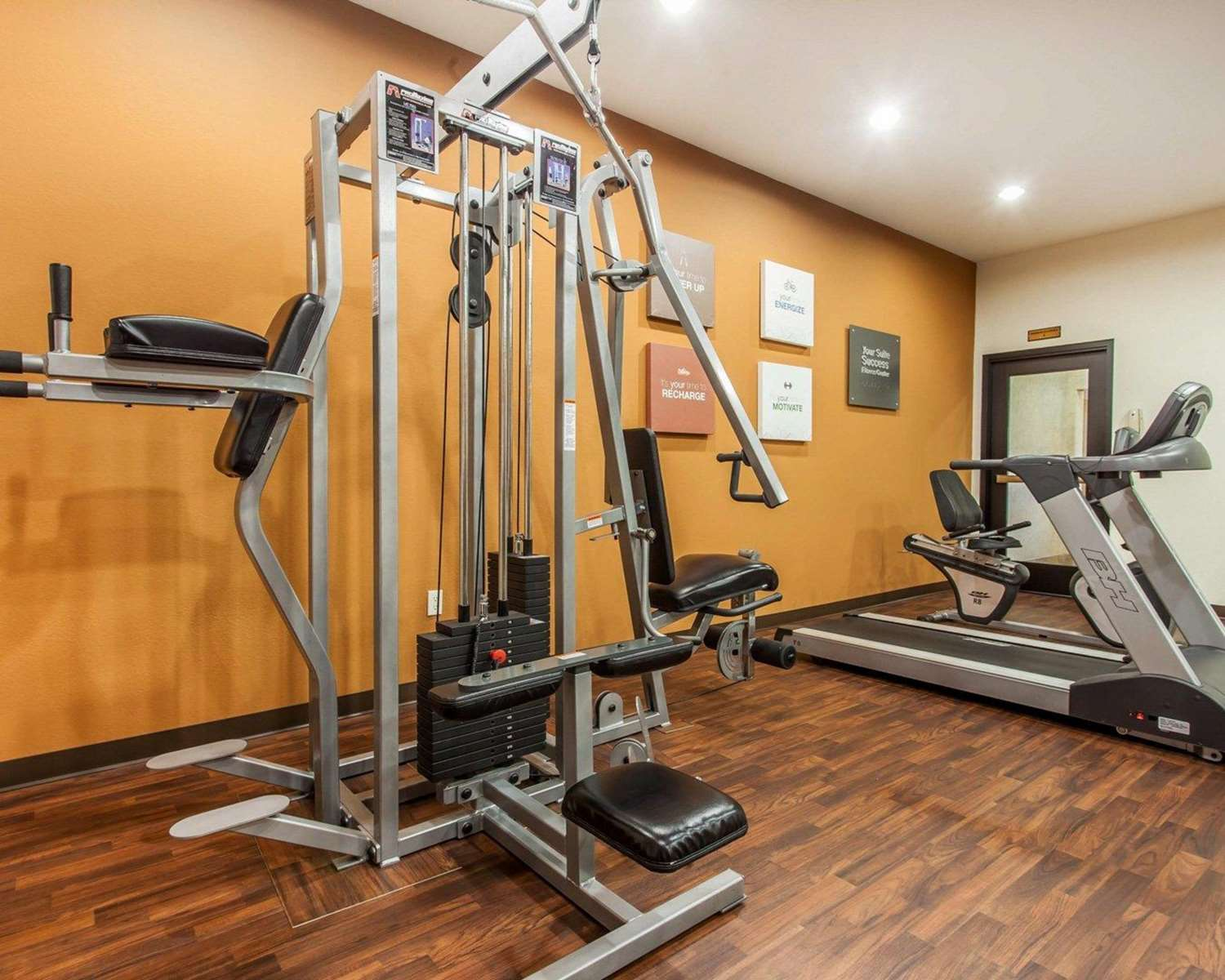 Fitness/ Exercise Room - Comfort Suites Wenatchee