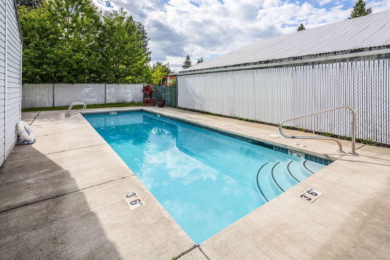 Pool - Rodeway Inn North Spokane