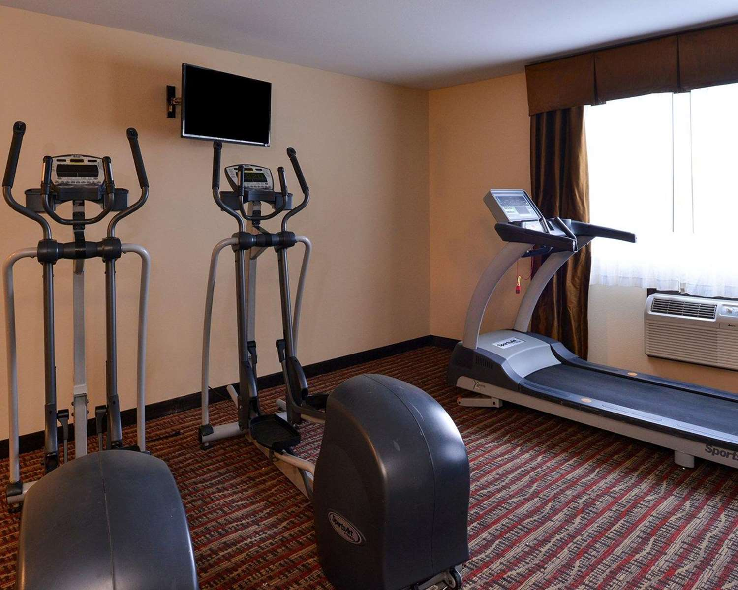 Fitness/ Exercise Room - Quality Inn & Suites Tacoma