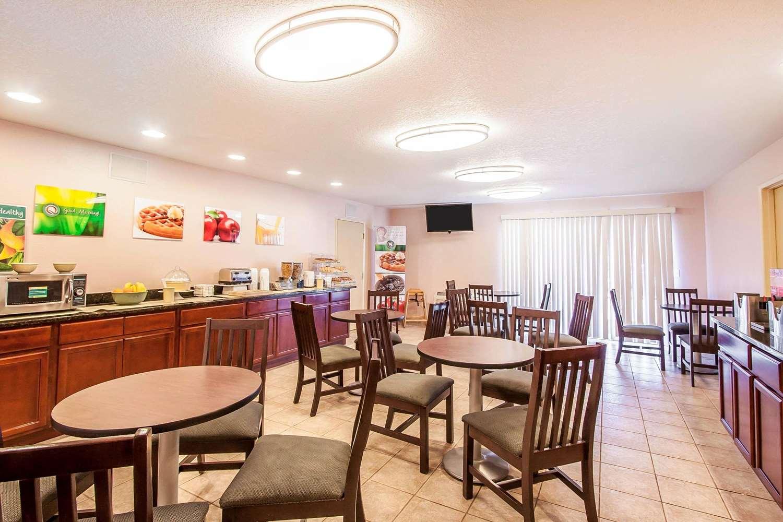 Restaurant - Quality Inn & Suites Vancouver