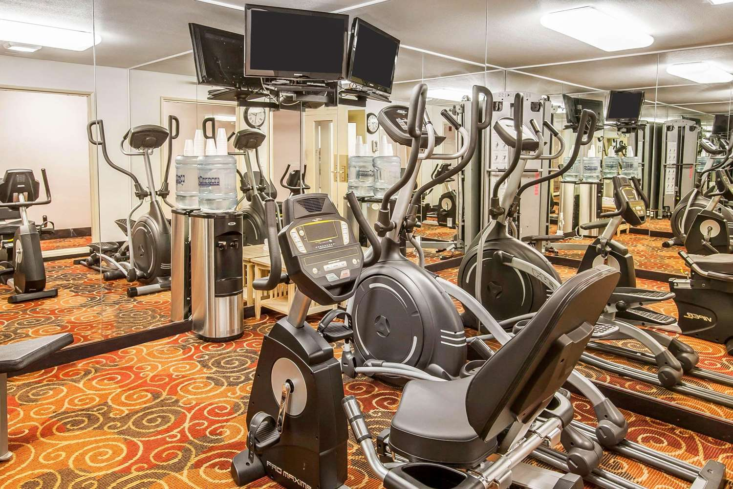 Fitness/ Exercise Room - Quality Inn & Suites Vancouver