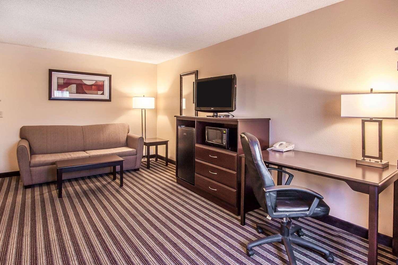 Suite - Quality Inn & Suites Vancouver