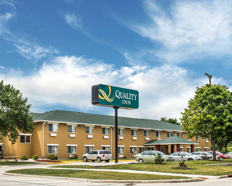 Exterior view - Quality Inn Manitowoc