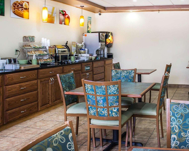 Restaurant - Quality Inn Manitowoc