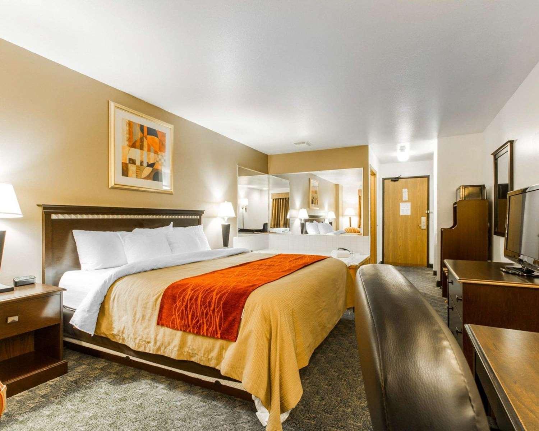 Suite - Quality Inn Edgerton