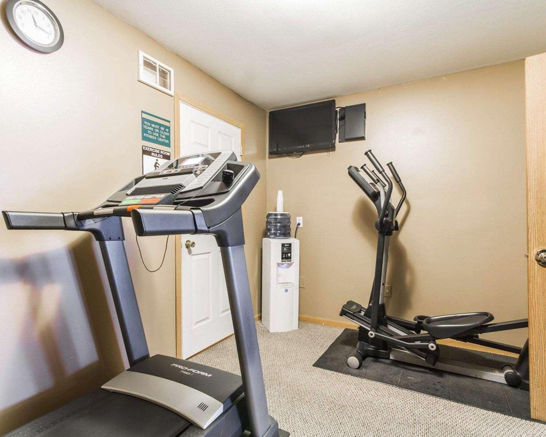 Fitness/ Exercise Room - Quality Inn Edgerton