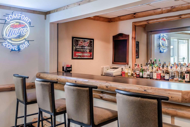 Bar - Rodeway Inn & Suites Tomahawk