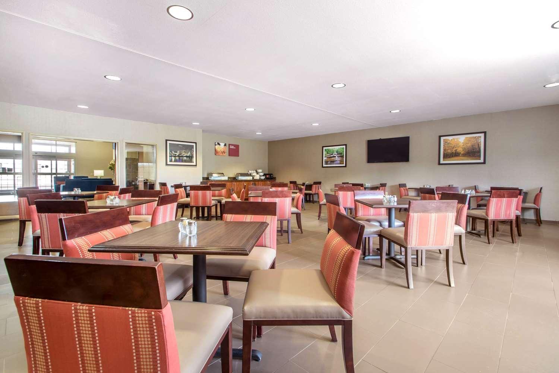 Restaurant - Comfort Suites Johnson Creek